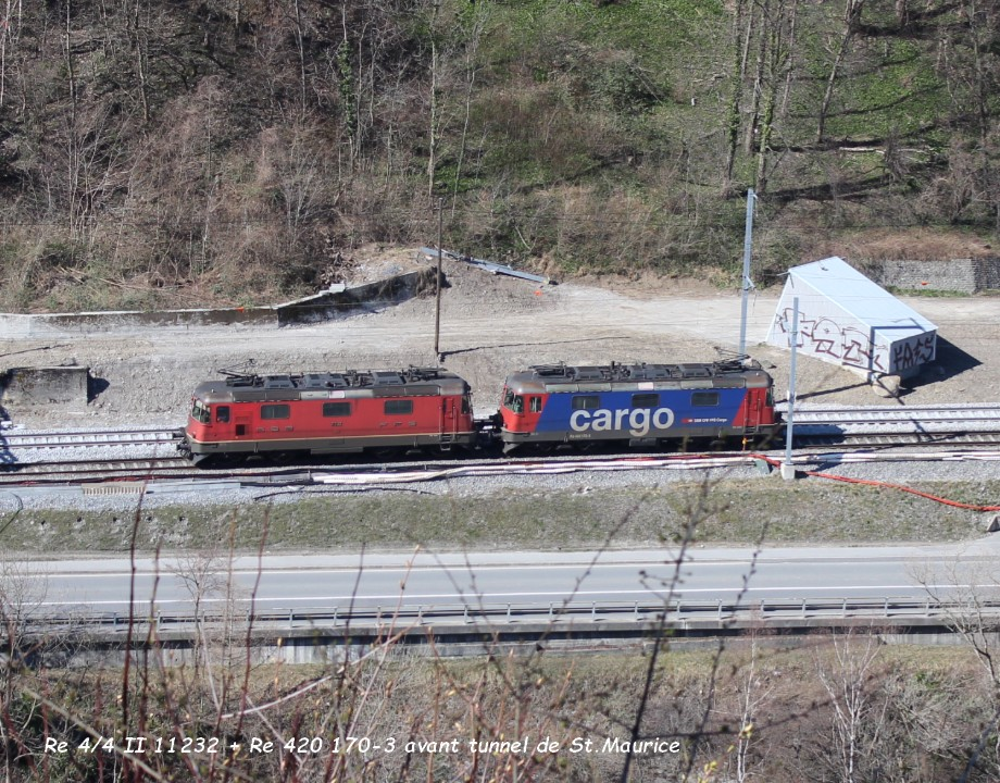 Re 44 II 11232 + Re 420 170-3 avant tunnel de St.Maurice 19.03..jpg