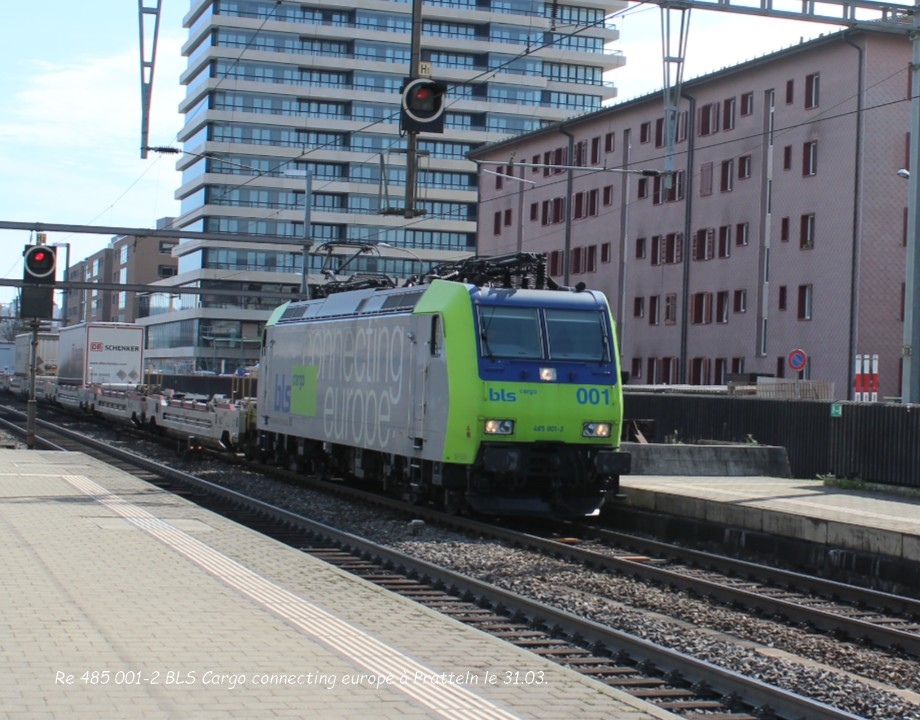 10.Re 485 001-2 BLS Cargo connecting europe à Pratteln le 31.03..jpg