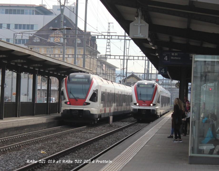 21.RABe 521 019 et RABe 522 203 à Pratteln 31.03..jpg