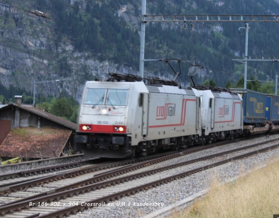 05 Br 186 902 + 904 Crossrail en UM à Kandersteg 12.08..jpg