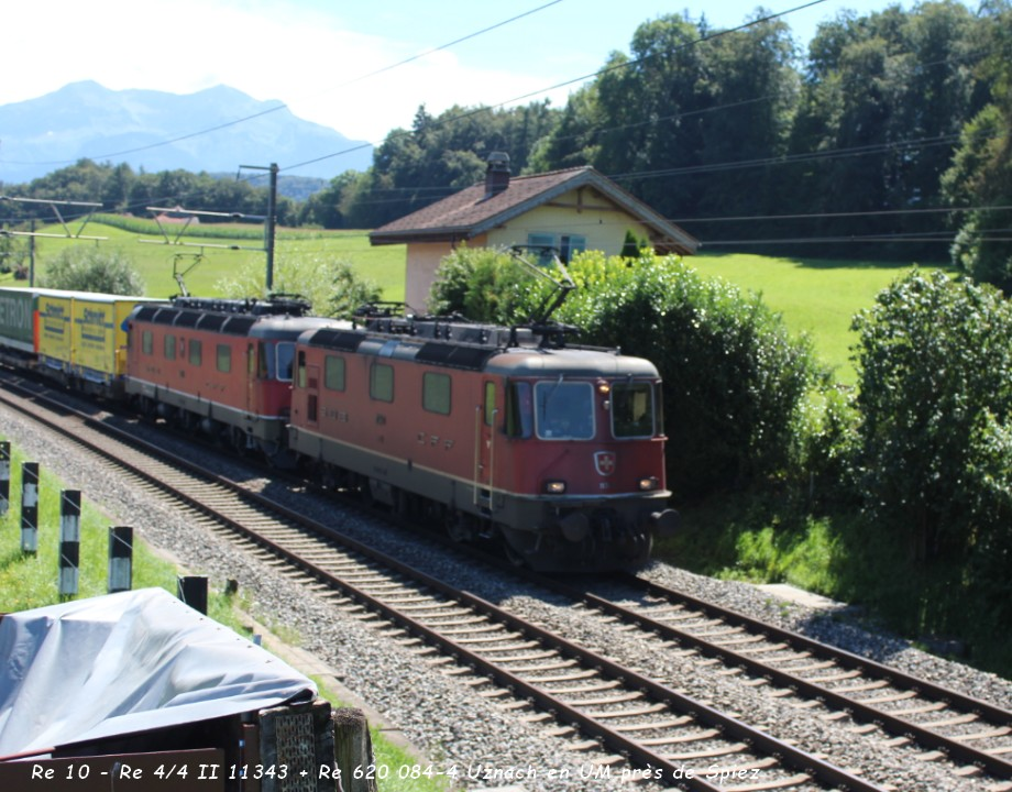 15 Re 10 - Re 44 II 11343 + Re 620 084-4 Uznach en UM près de Spiez 12.08..jpg