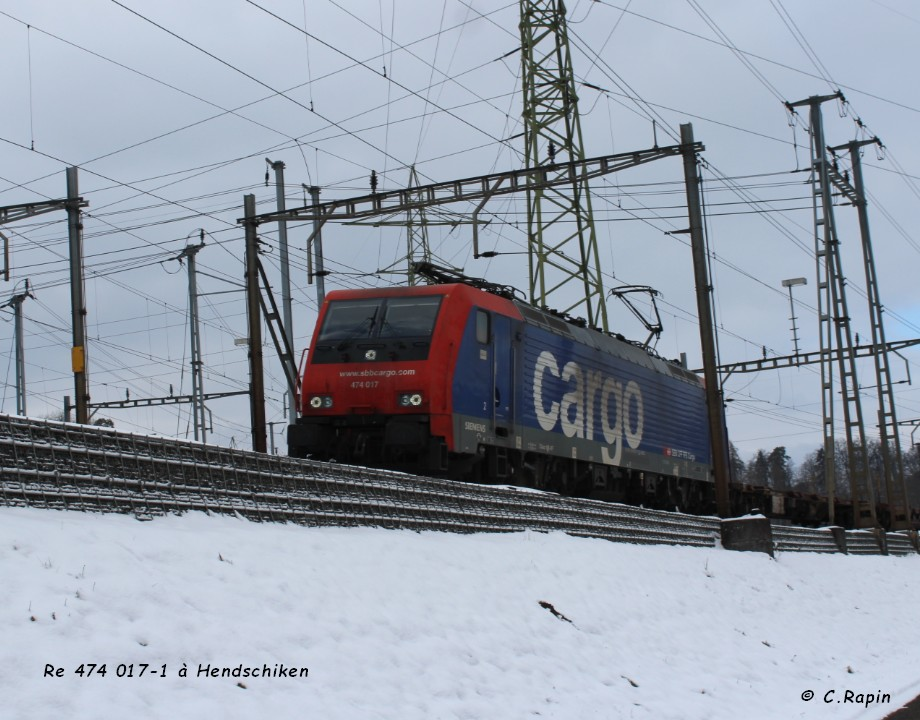 Re 474 017-1 à Hendschiken 16.01..jpg
