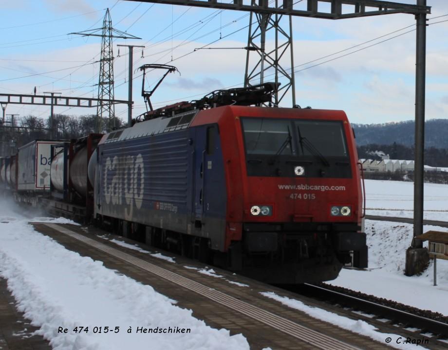 Re 474 015-5  à Hendschiken 16.01..jpg