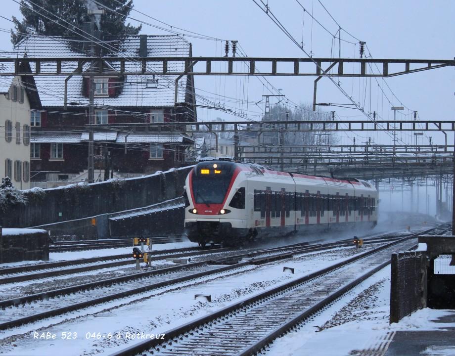 RABe 523  046-6 à Rotkreuz 16.01..jpg