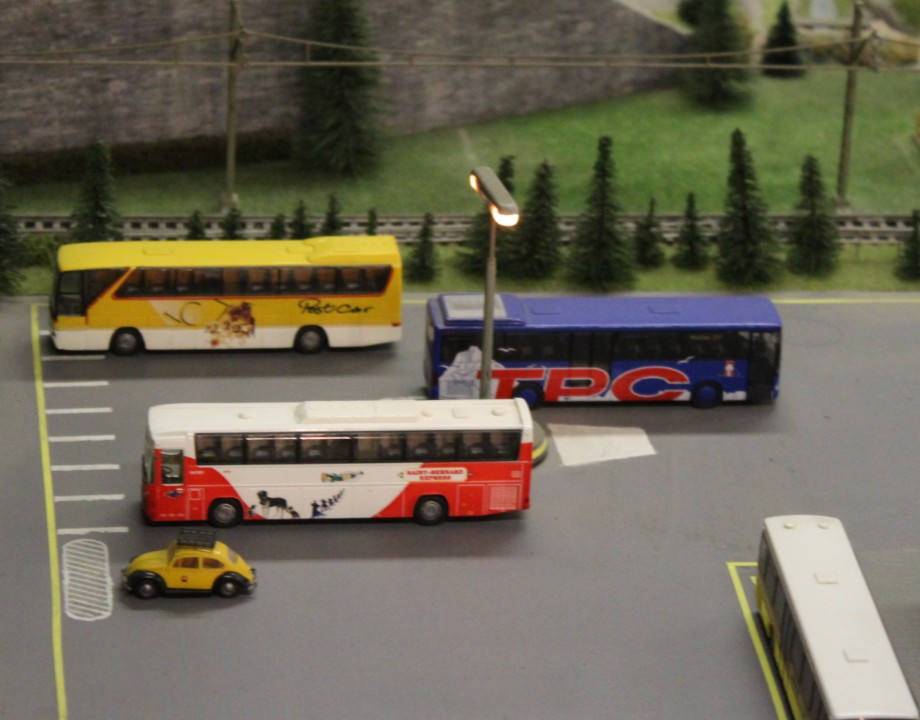Musée Montana 10 Bus TPC et MO    ..jpg
