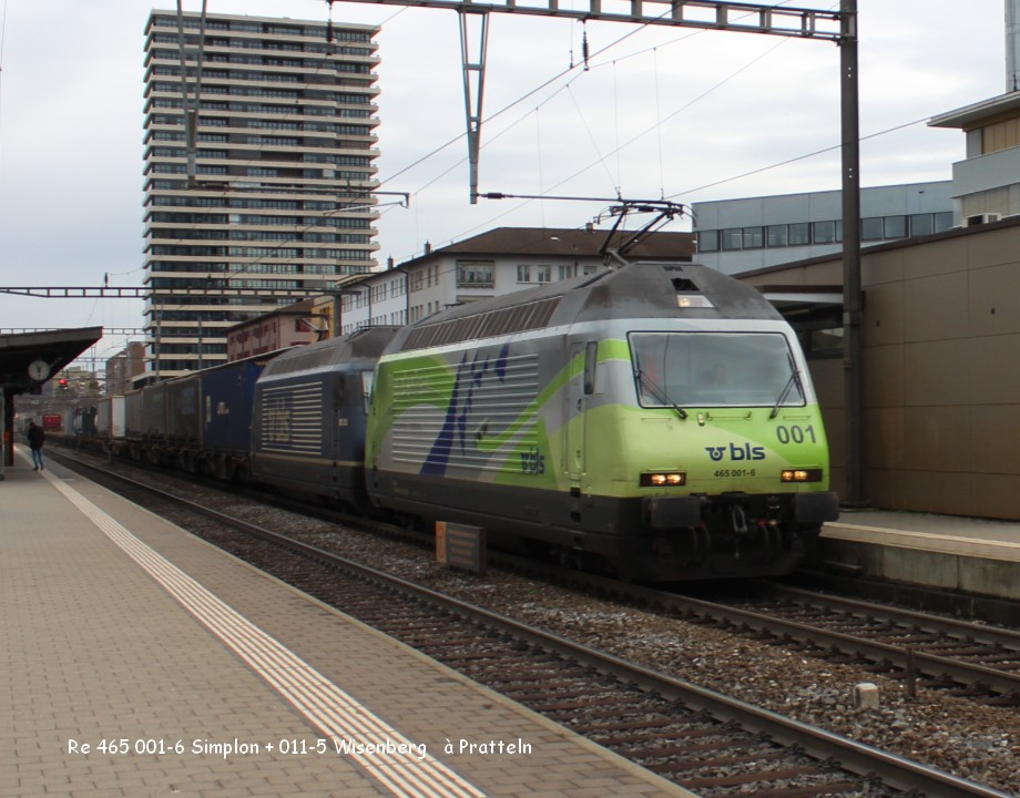 Re 465 001-6 Simplon + 011-5 Wisenberg   à Pratteln9.03.jpg