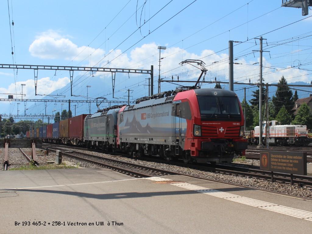 Br 193 465-2 + 258-1 Vectron en UM  à Thun 27.06.jpg
