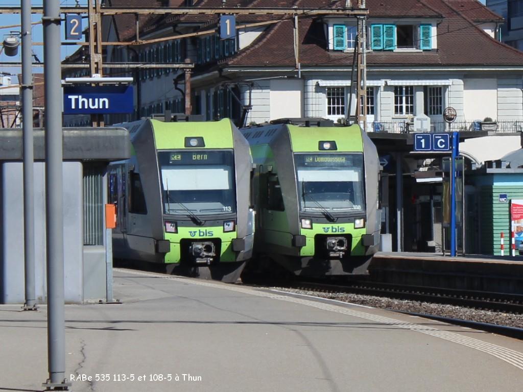 RABe 535 113-5 et 108-5 à Thun 27.06.jpg