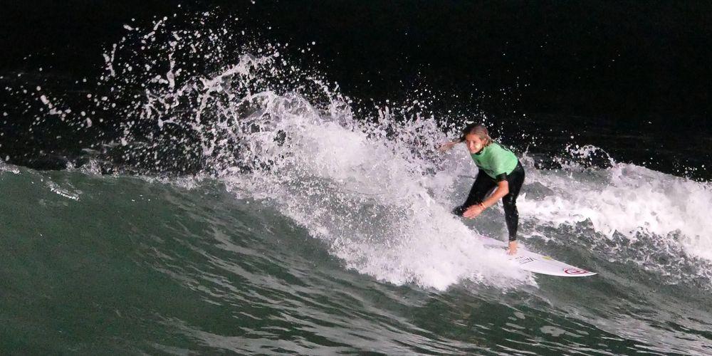 surfeuse.jpg