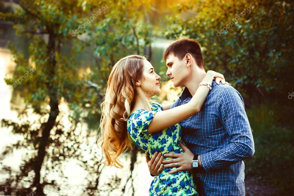 couple au bois.jpg