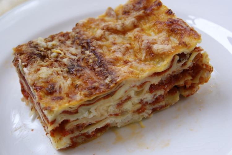 lasagnes-a-la-bolognaise-faciles-et-rapides.jpg