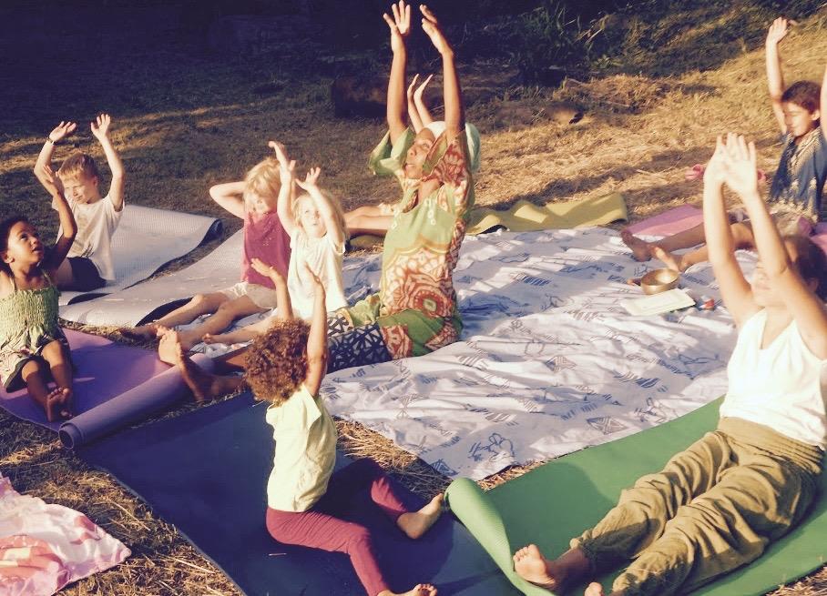 yoga.enfants.pleinair (1).jpg
