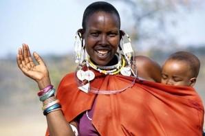 Femme-Masai-et-son-enfant.JPG