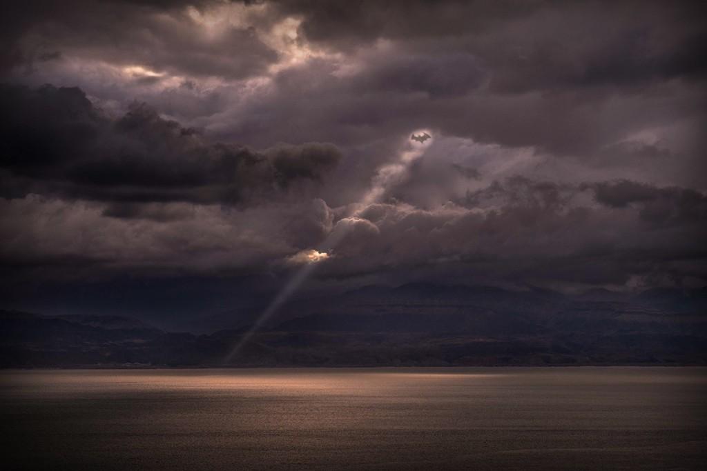 sombre horizon.jpg