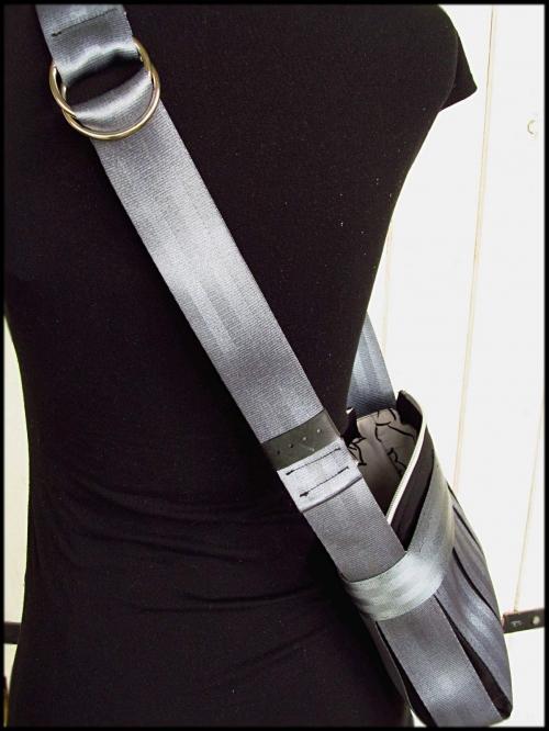 ceintures bandoulière gris boucles.JPG