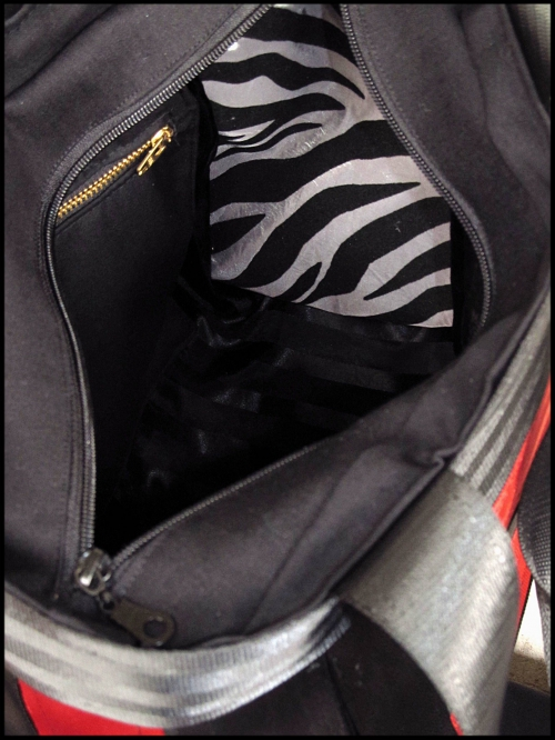 sac ceintures zip rouge et noir doublure.JPG