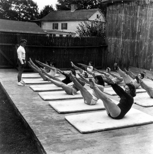 Joseph-Pilates.class-by-Eric-Sanford-1942.jpg