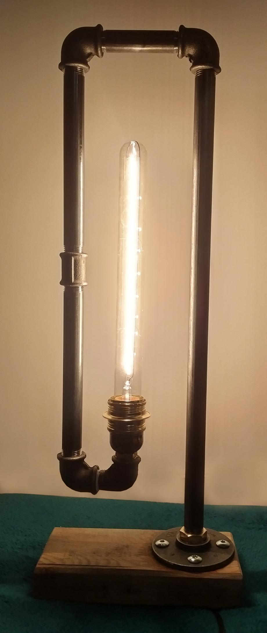 Lampe plomberie.jpg