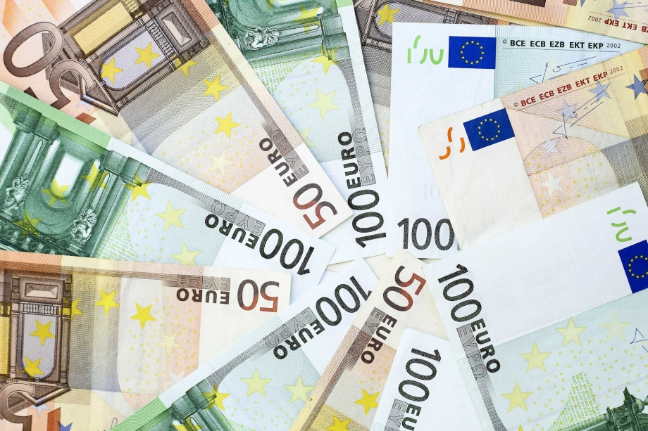 PARADIS FISCAUX -billets-de-banques-illustration.jpg