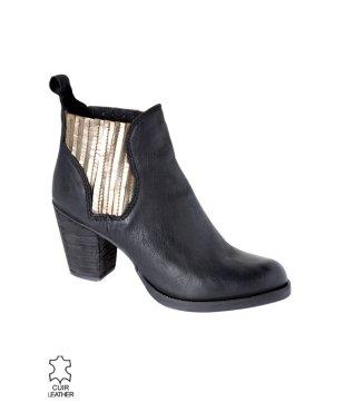 boots-en-cuir-femme-noir7995euros.jpg