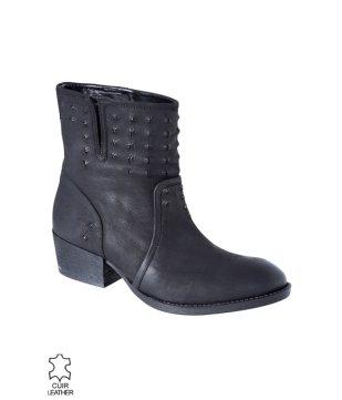 boots-en-cuir-femme-noire7995euros.jpg