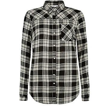 chemise noir et blanc 2299 euros.jpg