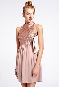 robe à paillettes brillantes 2375 euros.jpg