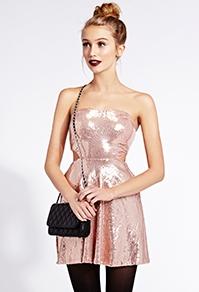 robe ajustée et évasée brillante 2875 € forever 21.jpg