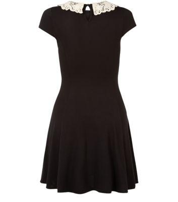 robe noir col dentelle 1799 € new look.jpg