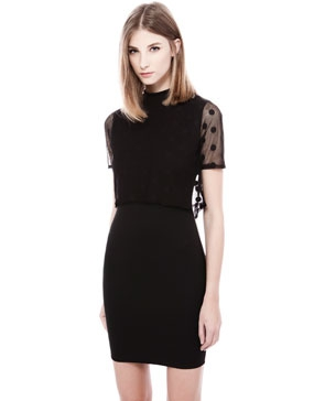 robe noir plumetis pois 1299 euros pull and bear.jpg