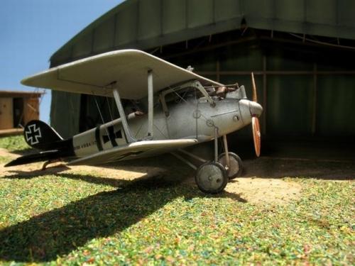 Biplan Pfalz D III.jpg