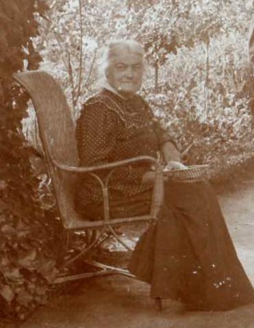 Elise Navel août 1916 B.jpg