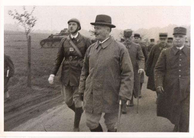 Avec de Gaulle décembre 1939 B.jpg