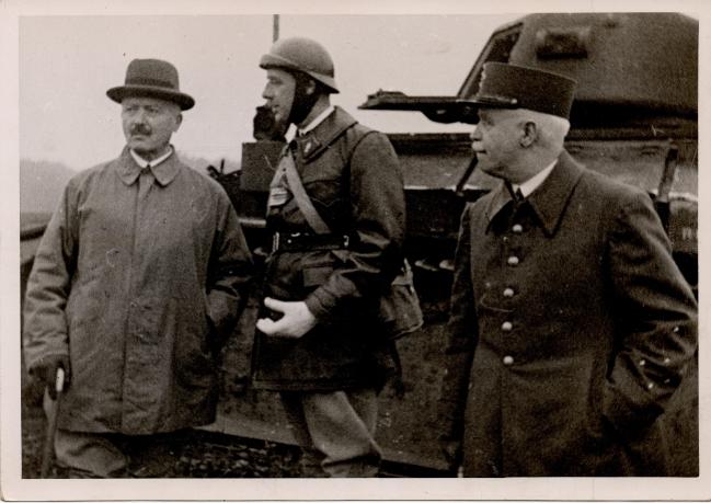 Avec de Gaulle décembre 1939.jpg