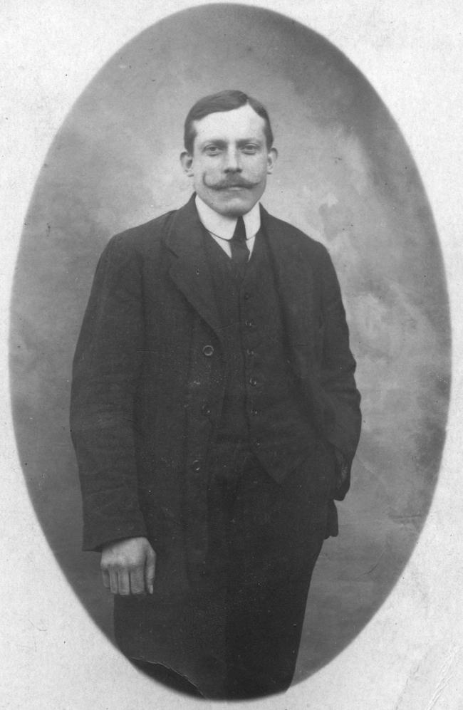 Bombardier Jean Baptiste 1915 B.jpg