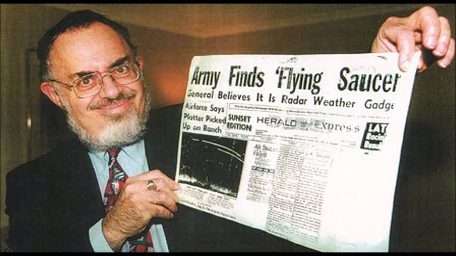 Roswell-Secrets-Of-Stanton-Friedman-One-Of-The-Top-UFO-Researchers.jpg