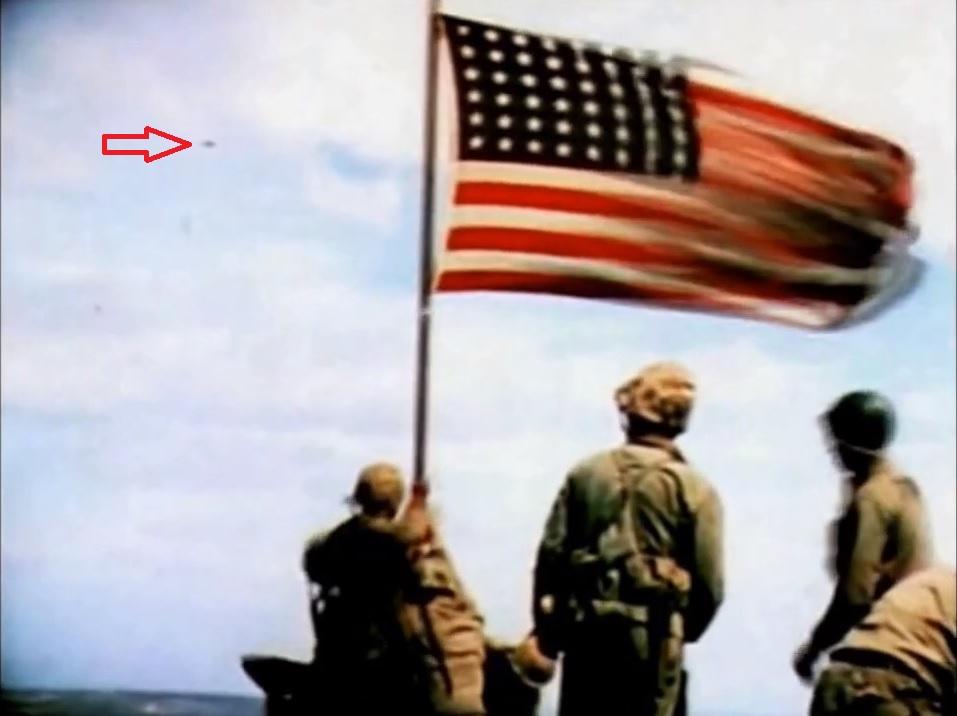 Ovni filmé le 23 Fevrier 1945 à Iwo Jima.jpg