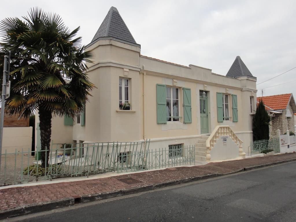 UTL petite marche Fouras 5 villa Castel Irène 29 11 2016.JPG
