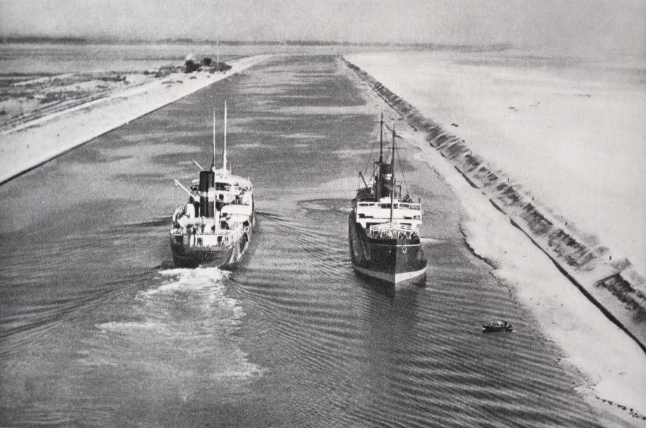canal Suez croisement 1975.jpg