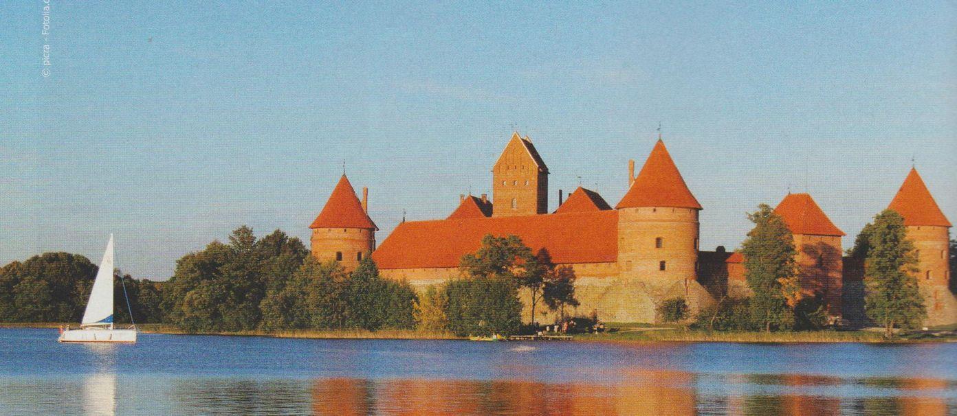 lituanie chateau de Trakai 001.jpg