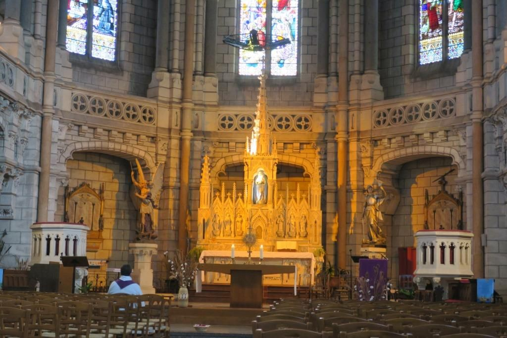 UTL Marans intérieur église 15 03 2018.jpg