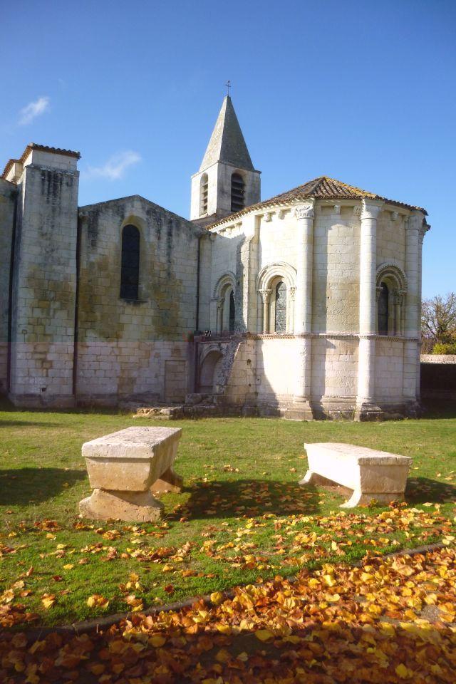 UTL abside église notre-dame d'Echillais 14 11 2018.jpg