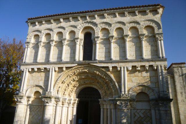 UTL façade église notre-dame d'Echillais 14 11 2018.jpg