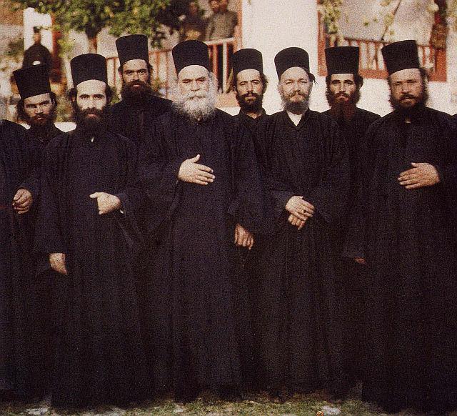 Mont-Athos groupe de moines 26 11 2018.jpg