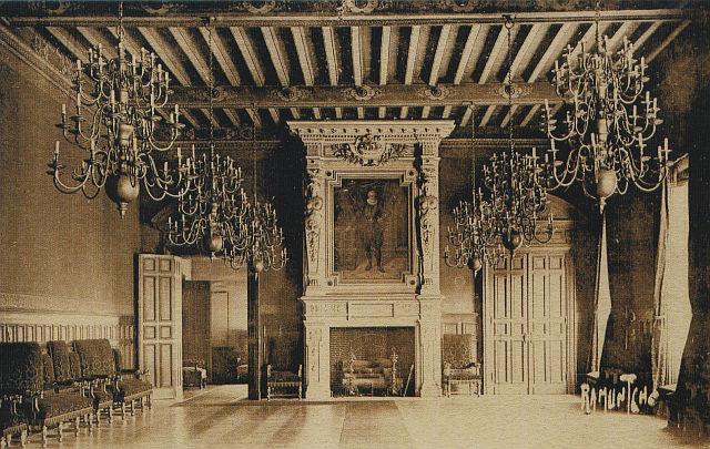 H de Ville LR Salle d'honneur peinture d'Henri IV 001.jpg