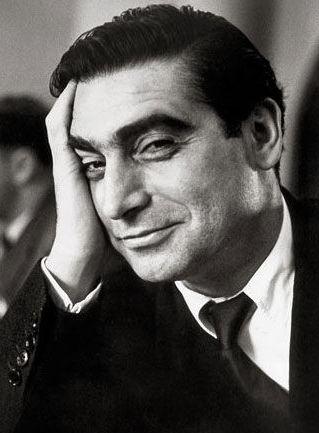 Robert Capa.jpg