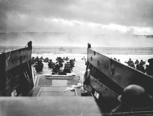 R Capa le débarquement 1944.jpg