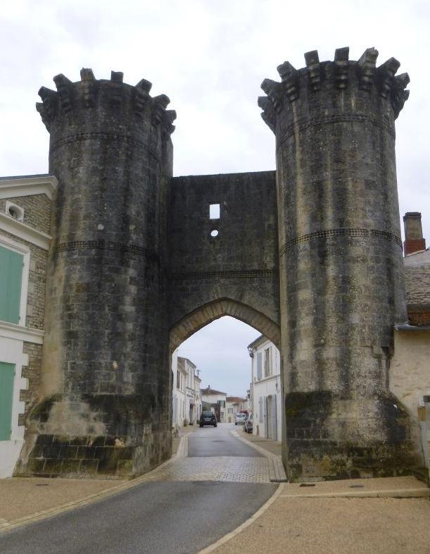 UTL grande marche Porte de Tonnay Boutonne 6 03 2019.jpg