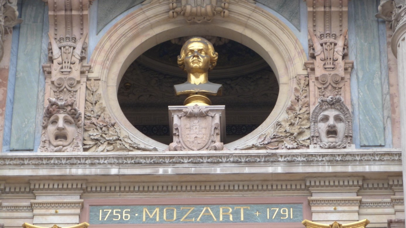 sur l'opéra Garnier_buste_mozart.jpg