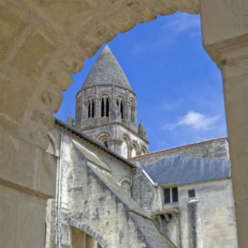 Saintes abbaye aux dames.jpg